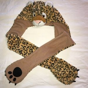 Other - 🐯Girl's warm beanie with paw gloves🐯 ~Harlie4